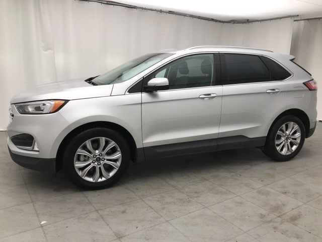 Pre-Owned 2019 Ford Edge Titanium